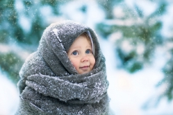 ребенок в шали