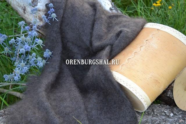 серая оренбургская шаль