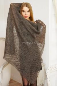 серый платок