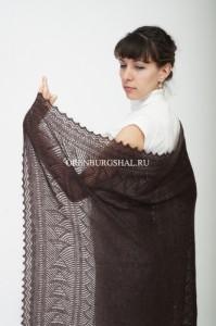 коричневый платок