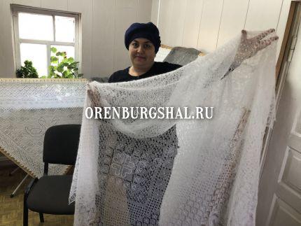 вязальщица оренбургских платков