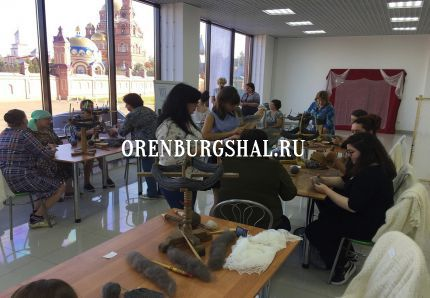 изготовление оренбургских платков