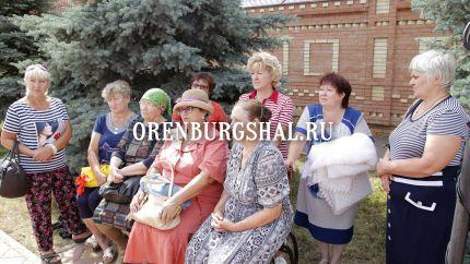 мастерицы оренбургских пуховых платков