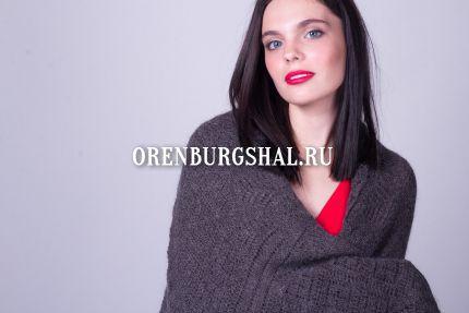 девушка в пуховой шали