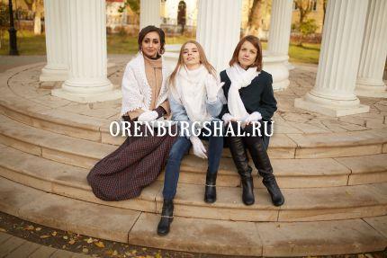 девушки в платках