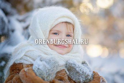 ребенок в пуховом платке