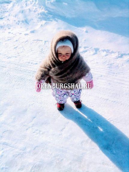 ребенок в платке