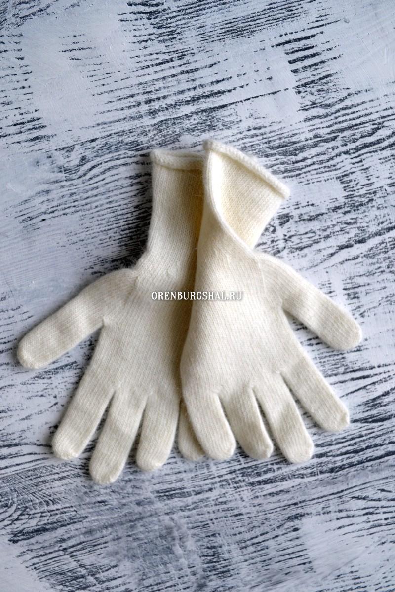Теплые белые перчатки