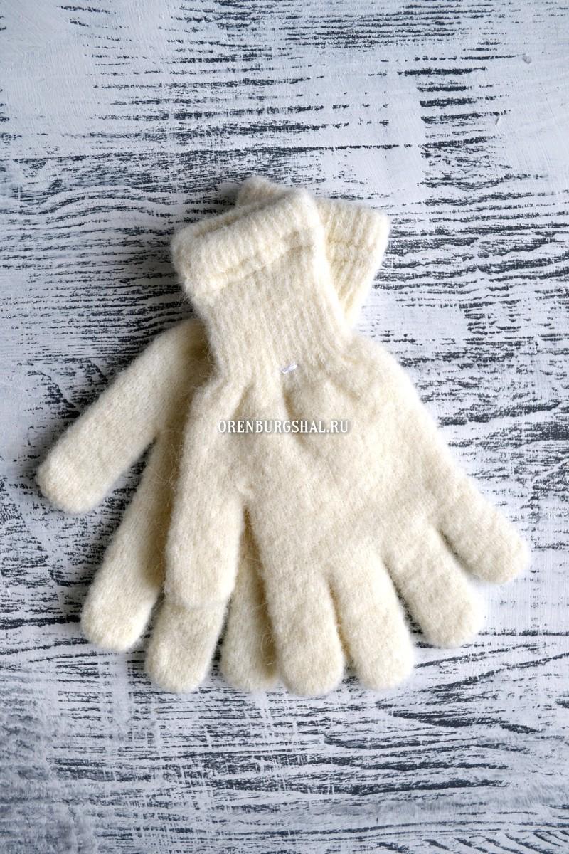 Белые пуховые перчатки