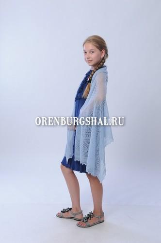 Цветной оренбургский платок