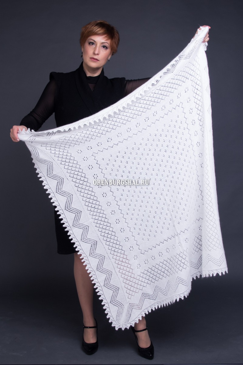 Shawl 'White violets'