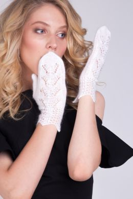 Downy mittens with Swarovski crystals