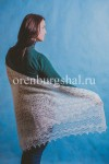 Белый оренбургский платок